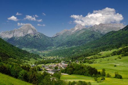 Photographe Patrimoine Et Traditions Dans Les Alpes : Paysage D'été Dans Les Bauges