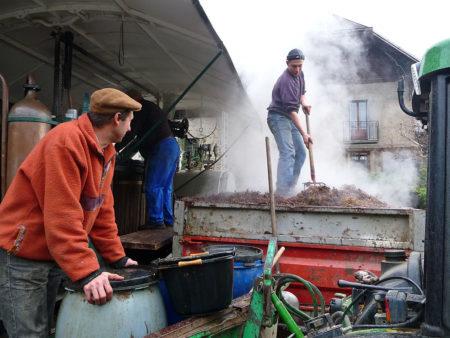 Photographe Patrimoine Et Traditions Dans Les Alpes : Les Bouilleurs De Cru