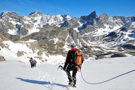 Photographe Outdoor Dans Les Alpes : La Cordée Redescend De La Pointe De La Réchasse