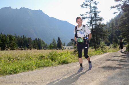 Photographe De Trail Running En Suisse : Trailer Sur Un Chemin