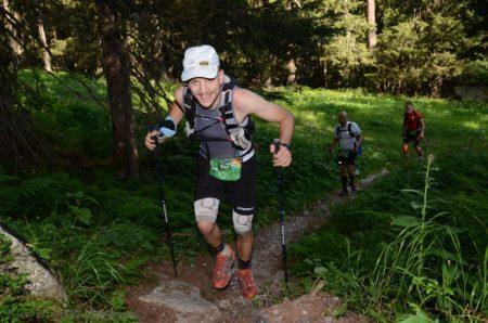 Photographe De Trail Running En Suisse : Sentier En Forêt