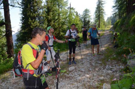 Photographe De Trail Running En Suisse : Les Coureurs Font Une Courte Pose