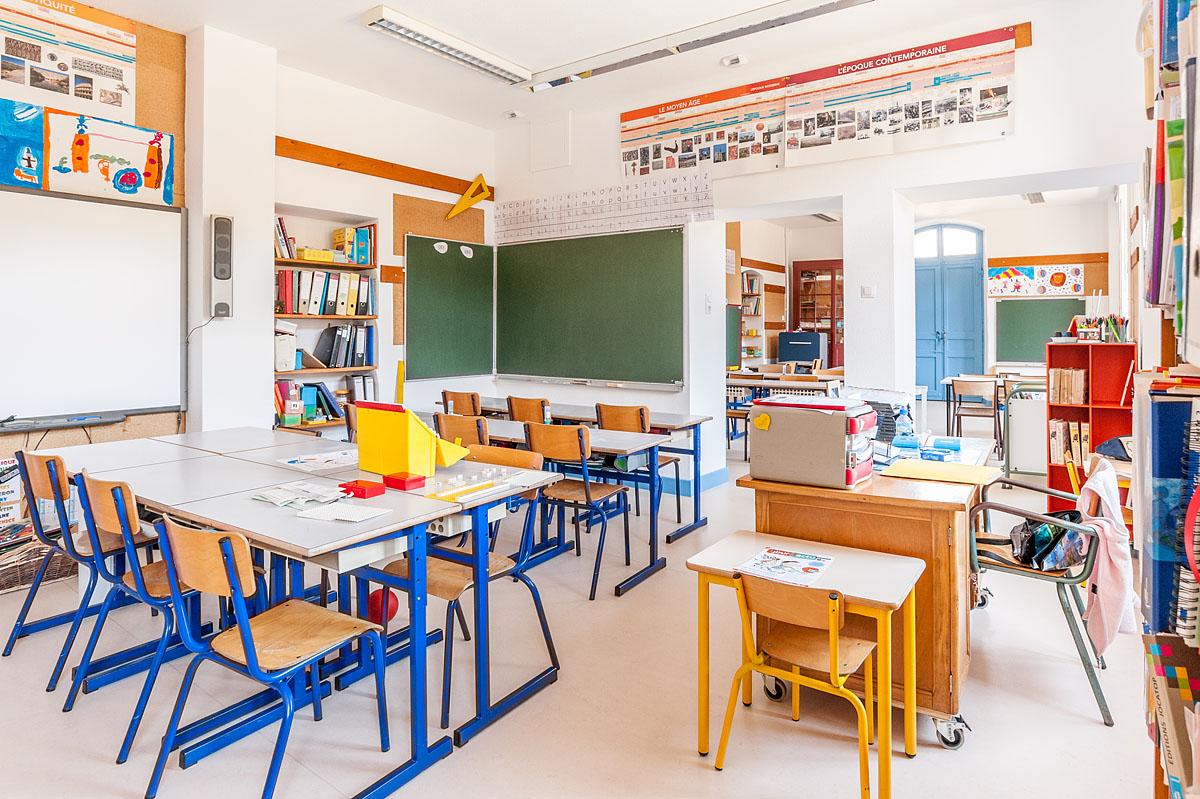 Photographe Architecture En Savoie Pour Une Collectivité : Une Salle De Classe De L'école De Saint-Nicolas-la-Chapelle, En Val D'Arly
