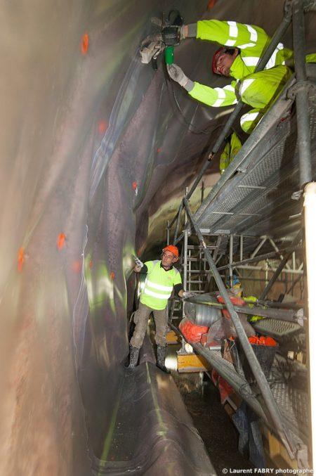 Photographe Industriel En Auvergne Rhône Alpes : Mise En Place De L'étanchéité Du Tunnel