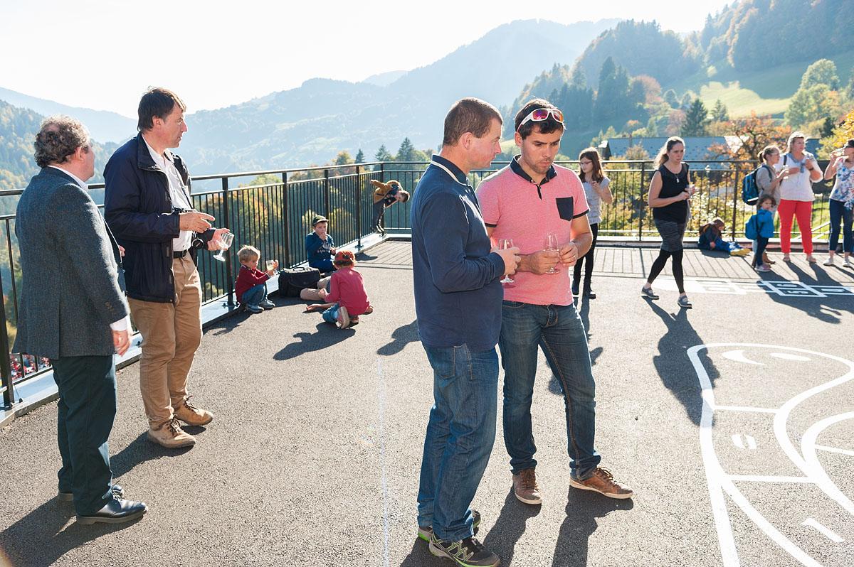 Photographe Architecture En Savoie Pour Une Collectivité : Inauguration Sur La Cour De L'école