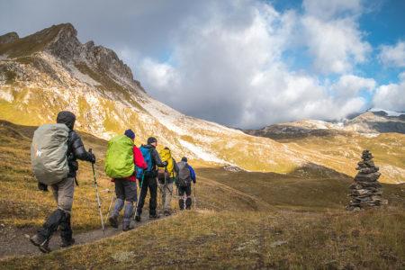 Photographe Sport De Montagne Outdoor En Vanoise : Passage Près D'un Cairn