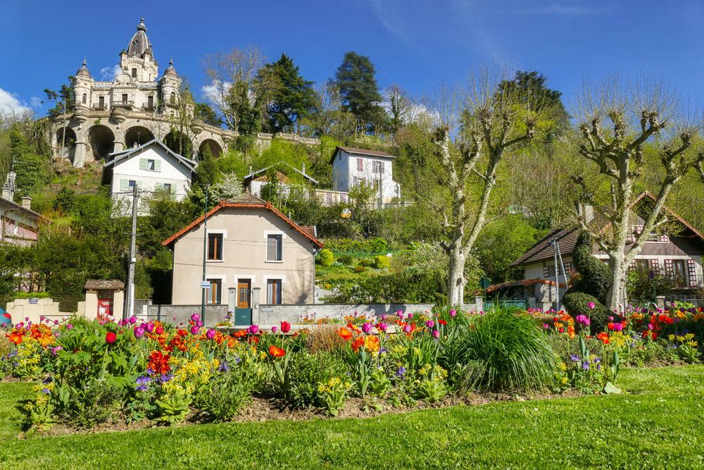 Photographe urbanisme pour une collectivité dans les Alpes : fleurissement de printemps entre les quartiers Liberté et Marlioz