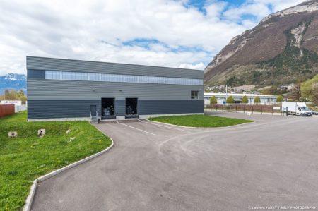 Photographe Industrie Automobile, Bâtiment De Logistique De Pneus En Auvergne Rhône Alpes