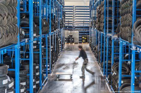Photographe Industrie Automobile, Entrepôt De Logistique De Pneus En Auvergne Rhône Alpes