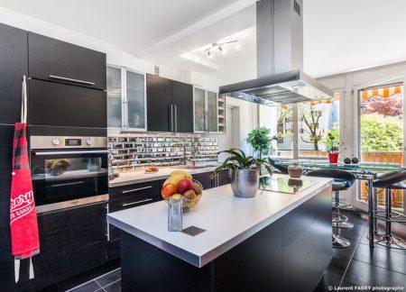 Photographe Immobilier Pour Un Appartement à Chambéry : La Cuisine