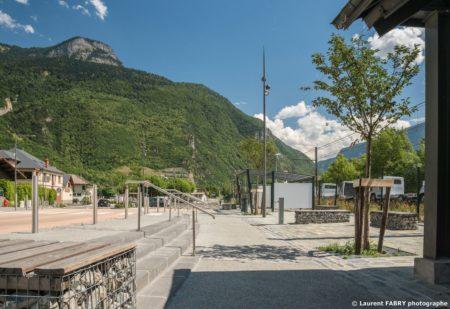 Parvis De La Gare De Saint-Avre (Savoie), Réalisation EVS : Photographe Professionnel