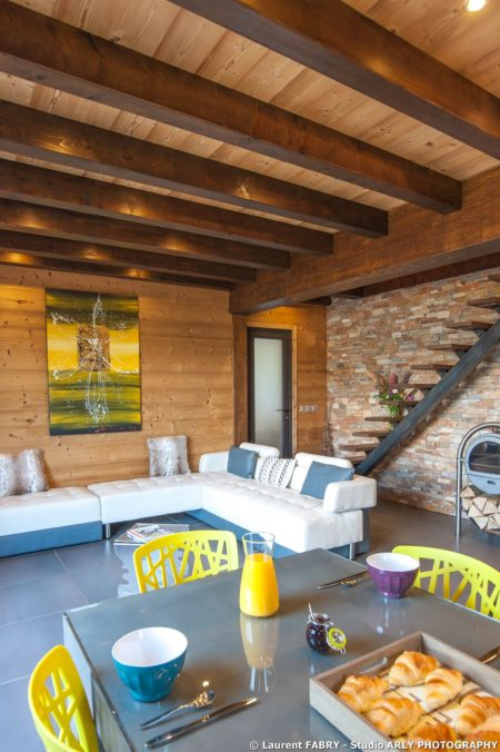 Shooting Photo Immobilier Dans Les Alpes : Coin Salon Du Chalet