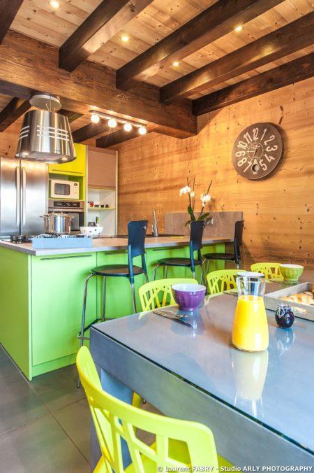 Shooting Photo Immobilier Dans Les Alpes : Cuisine Du Chalet