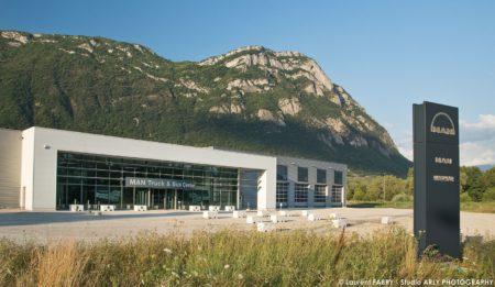 Centre De Maintenance Pour Véhicules De Transport Routier Au Pied Du Massif Des Bauges