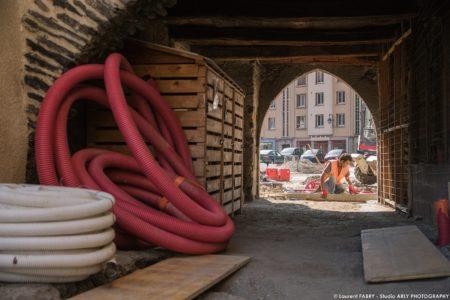 Photographe BTP En Savoie : Pavés (EVS) Sur La Place De L'hôtel De Ville à Ugine