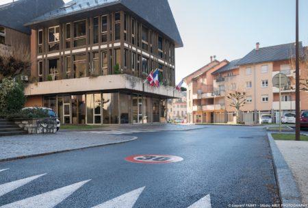 Photographe BTP En Savoie : Parvis église Et Mairie Place De L'hôtel De Ville à Ugine