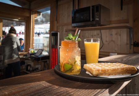 Photographe Hôtel 3 Vallées : Plateau Gaufre Et Cocktail Au Snack