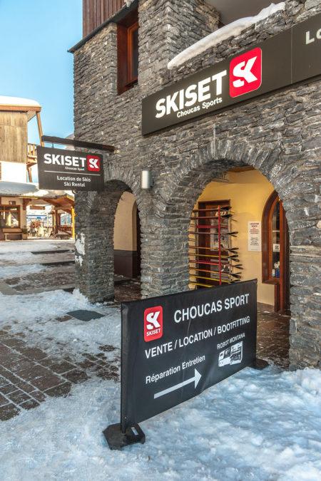 Photographe Magasin De Ski Dans Les Alpes (73) : Façade De La Boutique