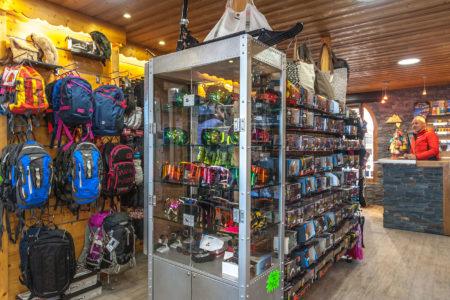 Photographe Magasin De Ski Dans Les Alpes (73) : Articles En Rayon