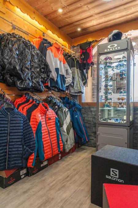 Photographe Magasin De Ski Dans Les Alpes (73) : Un Commerce En Station
