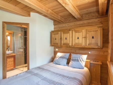 Photographe Immobilier De Montagne : Une Chambre à L'étage Principal