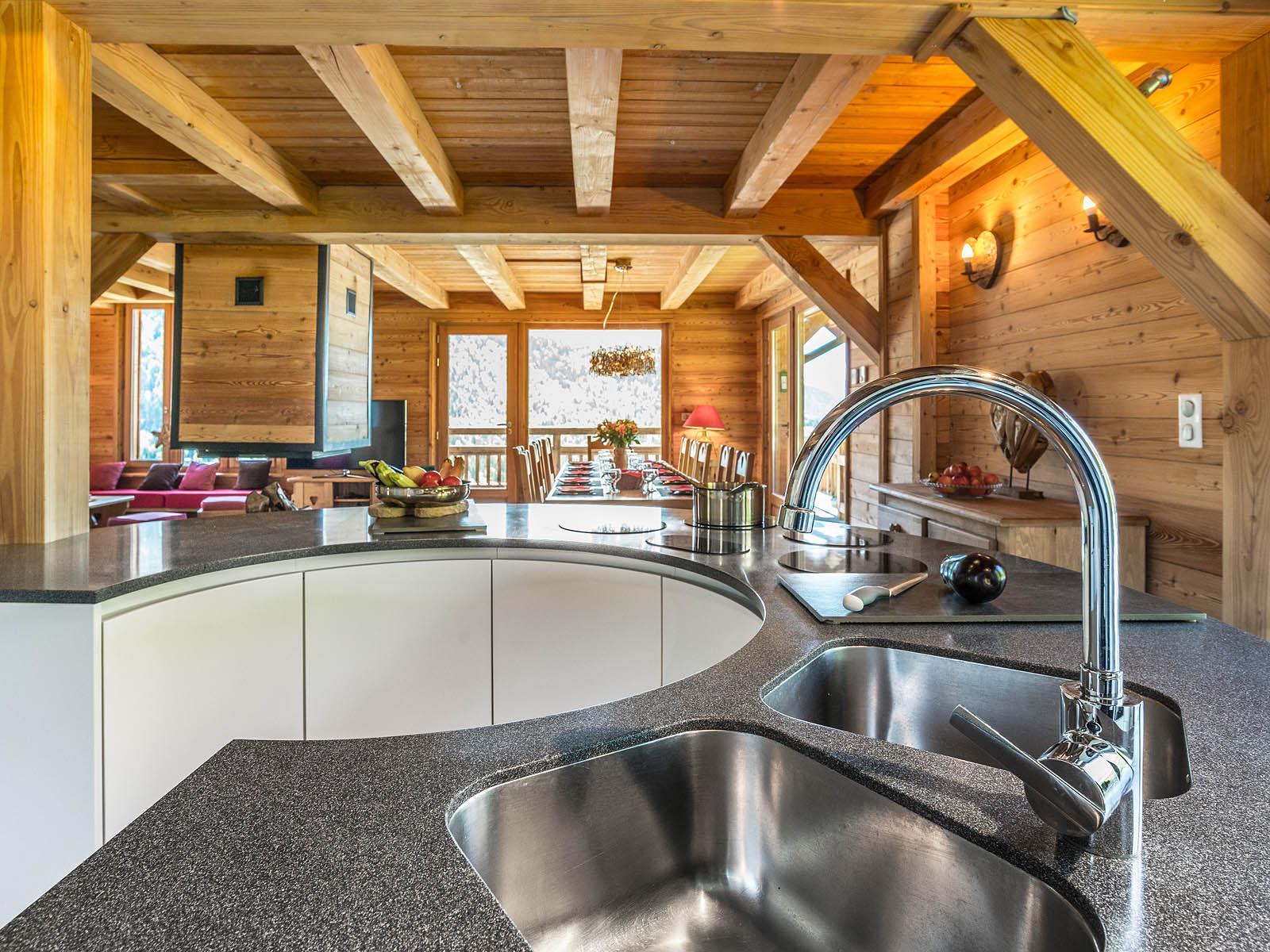 Photographe Immobilier De Montagne : Détail Cuisine : Vasques Et Robinet