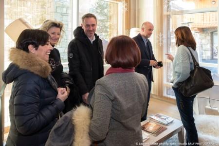 Les élus Se Retrouvent Avant L'inauguration à Méribel (Vallée Des Allues)