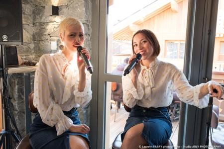 Les Chanteuses Lors Du Cocktail à Méribel