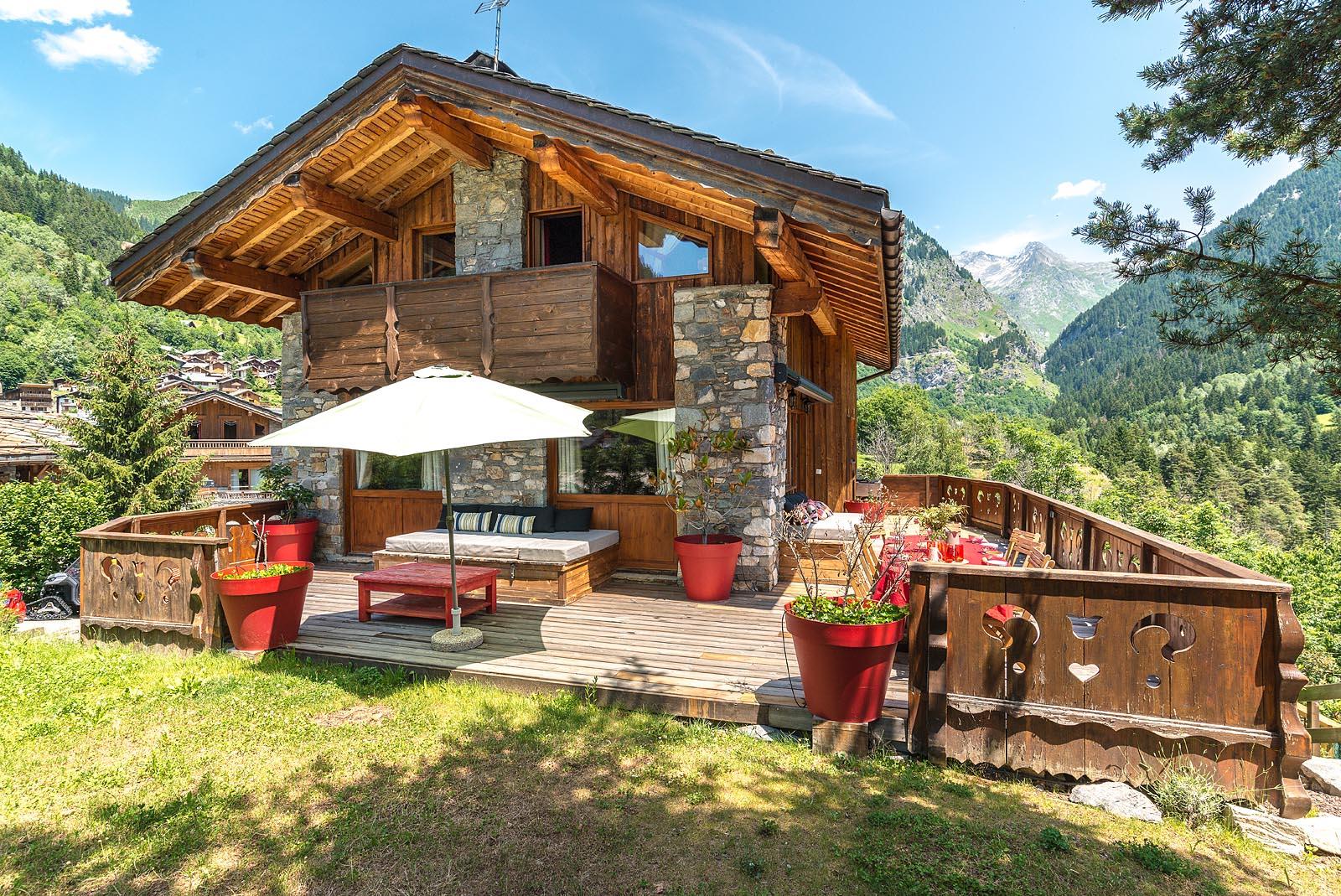 Terrasse et jardin du chalet en Vanoise