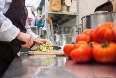 Découpe Des Légumes Par Le Traiteur Bio