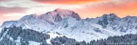 Premières Lumières Du Jour Sur Le Mont Blanc Depuis Le Beaufortain En Hiver