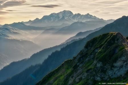 Le Mont Blanc Au Petit Matin Depuis La Roche Pourrie (photographe Massif Du Beaufortain, Savoie)