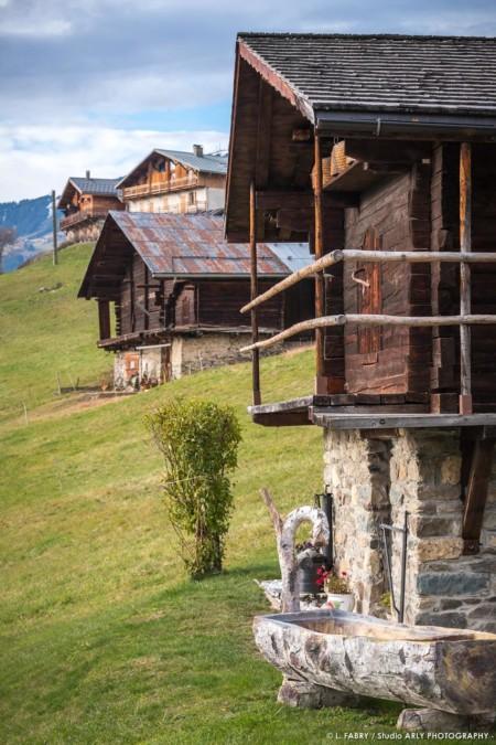 Chalets, Granges, Et Greniers Dans Le Massif Du Beaufortain (photographe Paysage Des Alpes)