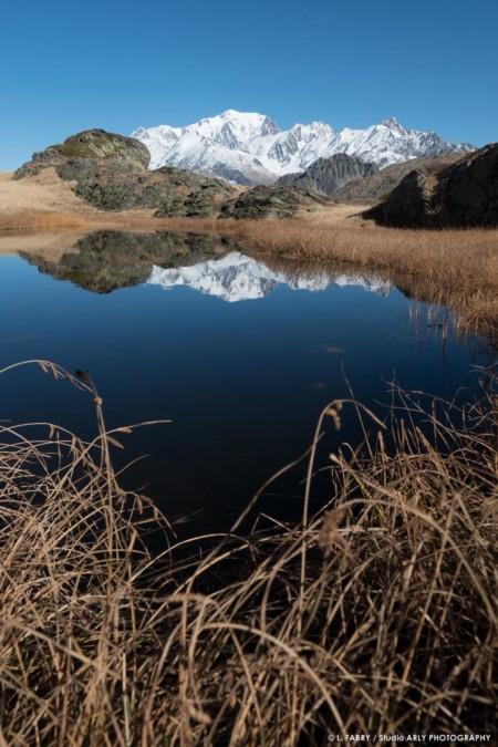 Photographe Paysage Du Beaufortain : Le Mont Blanc Se Reflète Dans Un Petit Lac