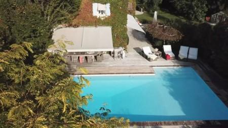 Vidéo Drone Immobilière Près D'Annecy (capture D'écran) : La Piscine