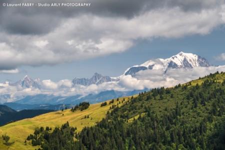 Le Mont Blanc Entre Deux Bandes De Nuages - Site De Vente Paysages Du Mont Blanc